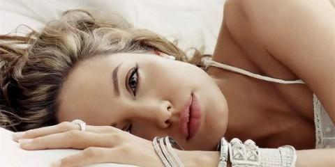 angelina-jolie-oluyor_92287_b