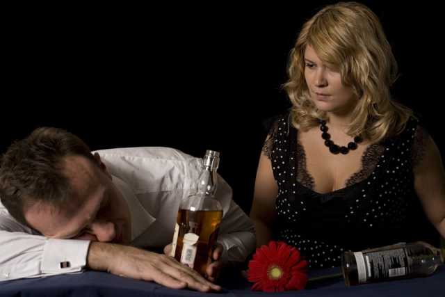 Как сделать чтобы муж не бросил жену 82