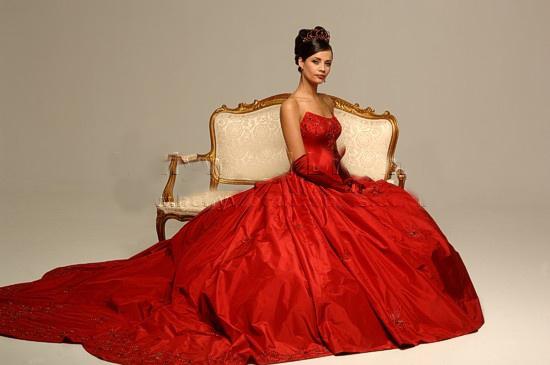 Что обозначает цвет платья