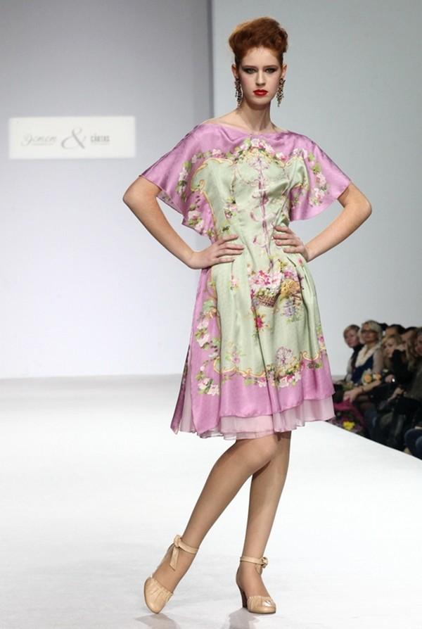 Стильные платья из натурального шелка и крепдешина