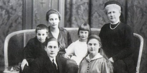 Княгиня татьяна Константиновна с матерью, братом, сестрой и детьми в эминрации