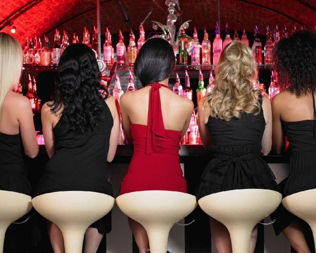 Трахать девочек в клубе 5 фотография