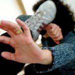 Первый опыт борьбы против потных рук приходит всегда слишком рано